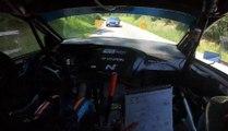 Quand un pilote de rallye lancé à pleine vitesse croise... une voiture !
