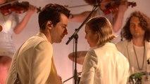 Mark Ronson Performs 'Late Night Feelings' ft. Lykke Li