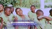 Cette chanson nous vient de la Tanzanie chanté en swahili par des orphelins qui demandent de l'aide et l'arrêt de la maltraitance aux orphelins