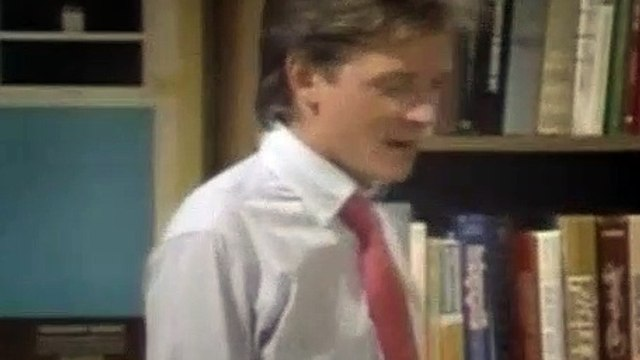 Family Ties Season 6 Episode 2 The Last Of The Red Hot Psychologists (Part 2)-1