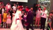 Kick-Boks Dünya ve Avrupa Şampiyonu, düğünü bırakıp gelinle boks yaptı