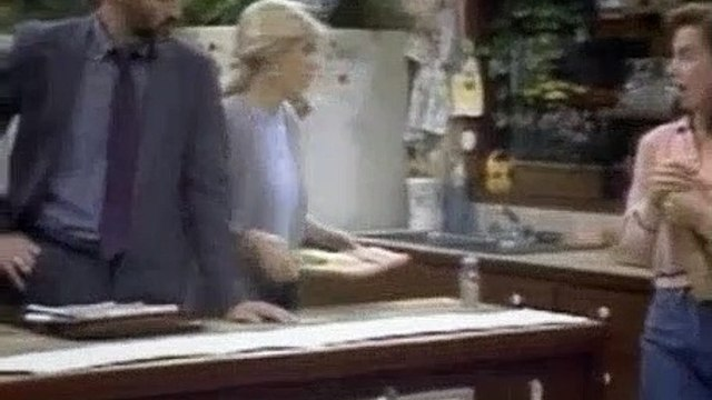 Family Ties Season 6 Episode 8 Invasion Of The Psychologist Snatchers-1