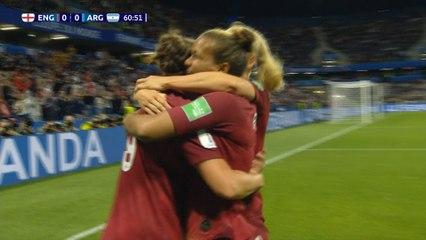 Inglaterra perde pênalti, mas vence Argentina na Copa do Mundo feminina