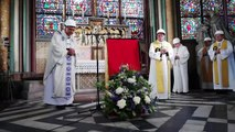 Notre Dame de París albergó su primera misa tras incendio