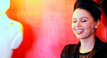 Au Crazy Horse avec Viktoria Modesta, bionic showgirl