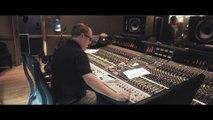 """Découvrez """"Retourner là-bas"""", le premier single de Jean- Baptiste Guegan, le chanteur à la voix similaire à Johnny Hallyday"""