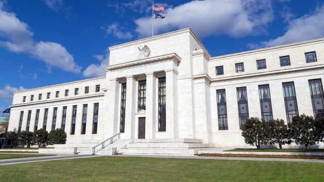Fed Needs to Signal It Has an Open Mind About Cutting Rates, Analyst Says