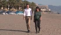Rodríguez y Marín pasean por Torremolinos en la jornada de reflexión