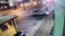 Elle quitte son copain, il se venge en détruisant sa voiture