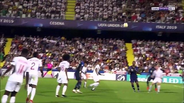 Henderson (England U21) Penalty save against Dembélé (France U21)
