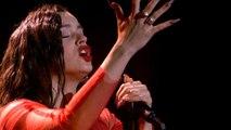 Rosalía revoluciona los Goya con su versión de 'Me quedo contigo'
