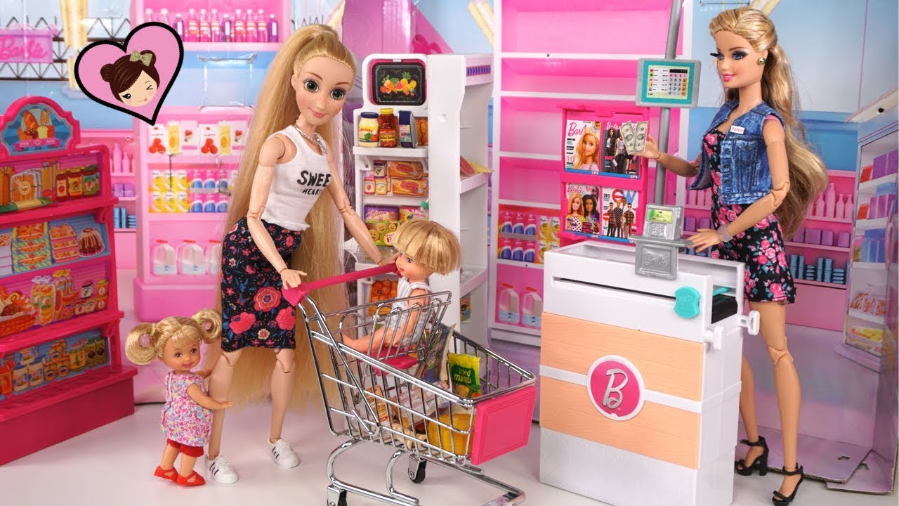 Rapunzel Family Grocery Shopping at Barbie Supermarket with Dollhouse Food
