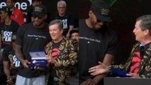 Toronto Mayor presents Kawhi Leonard - the Raptors with a key to the city- 2019 Championship Parade