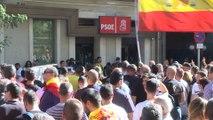 Jusapol pide ante las sedes del PSOE la dimisión de Sánchez