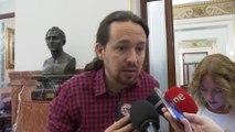 Iglesias anima a Sánchez a hacer accesible su tesis