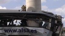 Fallecen cinco personas y 16 resultan heridas en un brutal accidente de autubús en Avilés