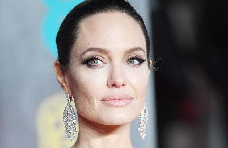 Angelina Jolie Time yazarı oldu