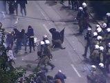 Duros enfrentamientos en Atenas entre policía y manifestantes
