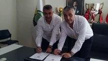 Akhisarspor, Teknik Direktör Mehmet Altıparmak ile imzaladı