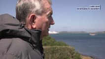 """""""Elizabeth II, les secrets d'un Empire"""": cet habitant des îles Scilly se bat contre le système féodal encore soutenu par le prince Charles"""