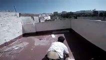 Parkour : il tombe à travers le toit sur la maison !
