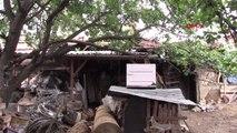 BURSA Evin bahçesinde bulunan 550 yıllık hamam depo olarak kullanılıyor