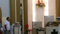 Les fidèles d'une église maîtrisent un casseur (Brésil)