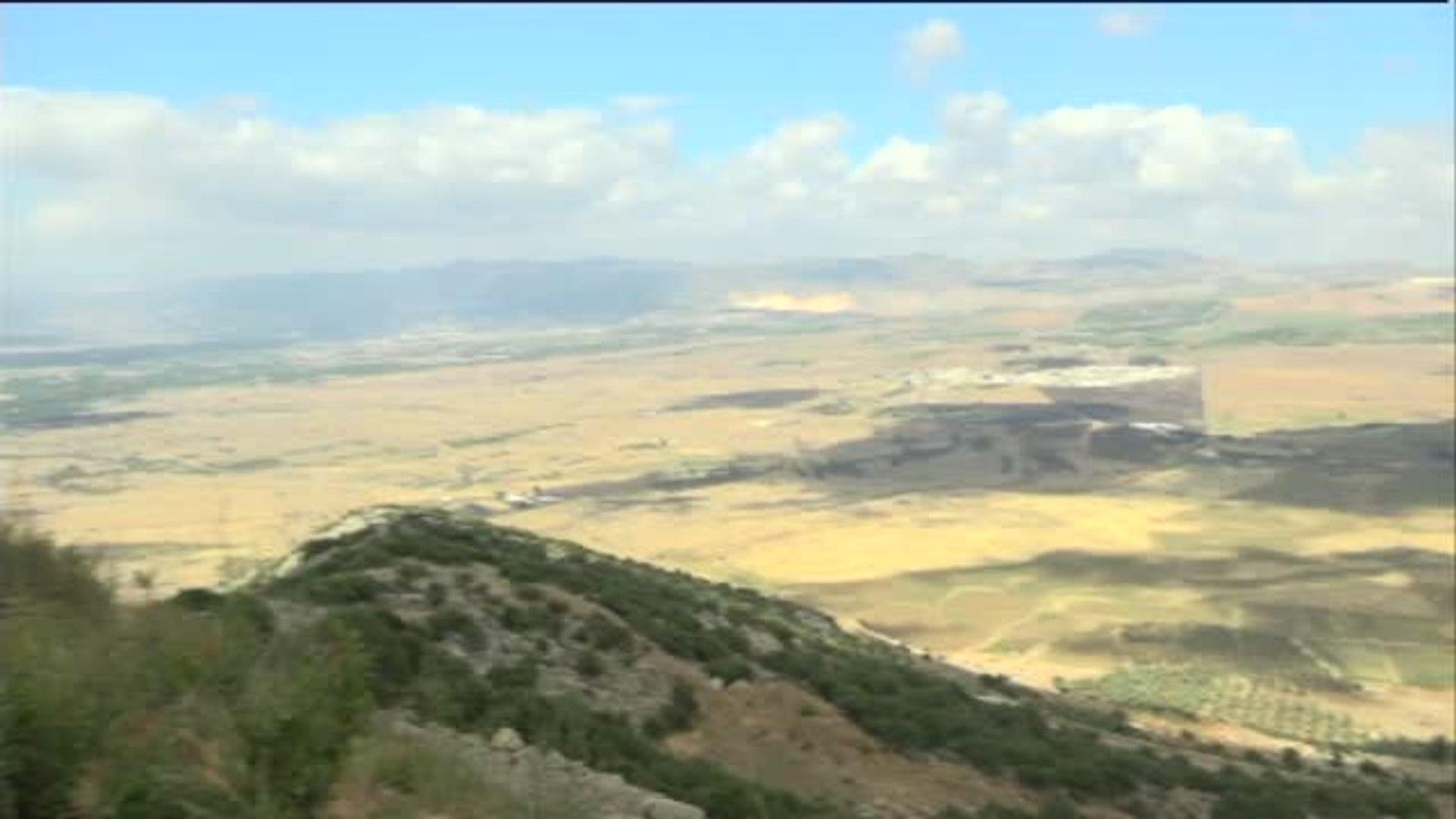 Margarita Robles visita, por primera vez como ministra, la misión de la ONU en el Líbano
