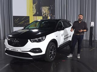 Découverte de l'Opel Grandland X Hybrid 4 (2019)