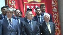 El Real Madrid celebra su título de Liga ACB en la sede de la Comunidad de Madrid