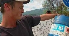 Depuis qu'il est sans-emploi, cet homme a décidé de nettoyer les rivières