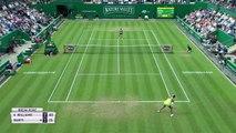 Ashleigh Barty beats Venus Williams 6-4, 6-3