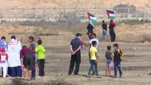 Gazans flock to fence for 63rd week of protests