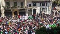 Manifestants à Alger : « Nous sommes tous des frères, Gaïd Salah est un traître ! »
