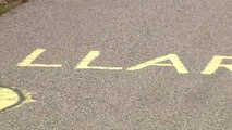 Aparecen nuevas pintadas contra el juez Llarena en una carretera de Barcelona