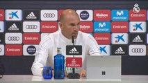 """Zidane: """"Queda un mes y tenemos que hacerlo todos de puta madre"""""""