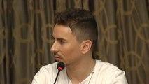 Lorenzo culpa a Márquez y pide aseverar las sanciones para los pilotos
