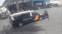 Curiosa reacción del presunto asesino de su pareja ayer en Murcia al llegar la policía