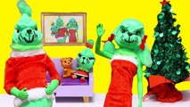LOL Families - The Santa Family vs. The Grinch Family - Toys and Dolls Pretend Play for Kids - SWTAD