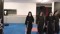 Unas monjas polacas se convierten en auténticas boxeadoras por una buena causa