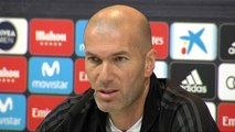 """Zidane sobre Isco: """"Es muy bueno, quiero que se quede toda la vida aquí"""""""