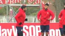 El Sevilla intenta olvidar el derbi pensando en el Alavés