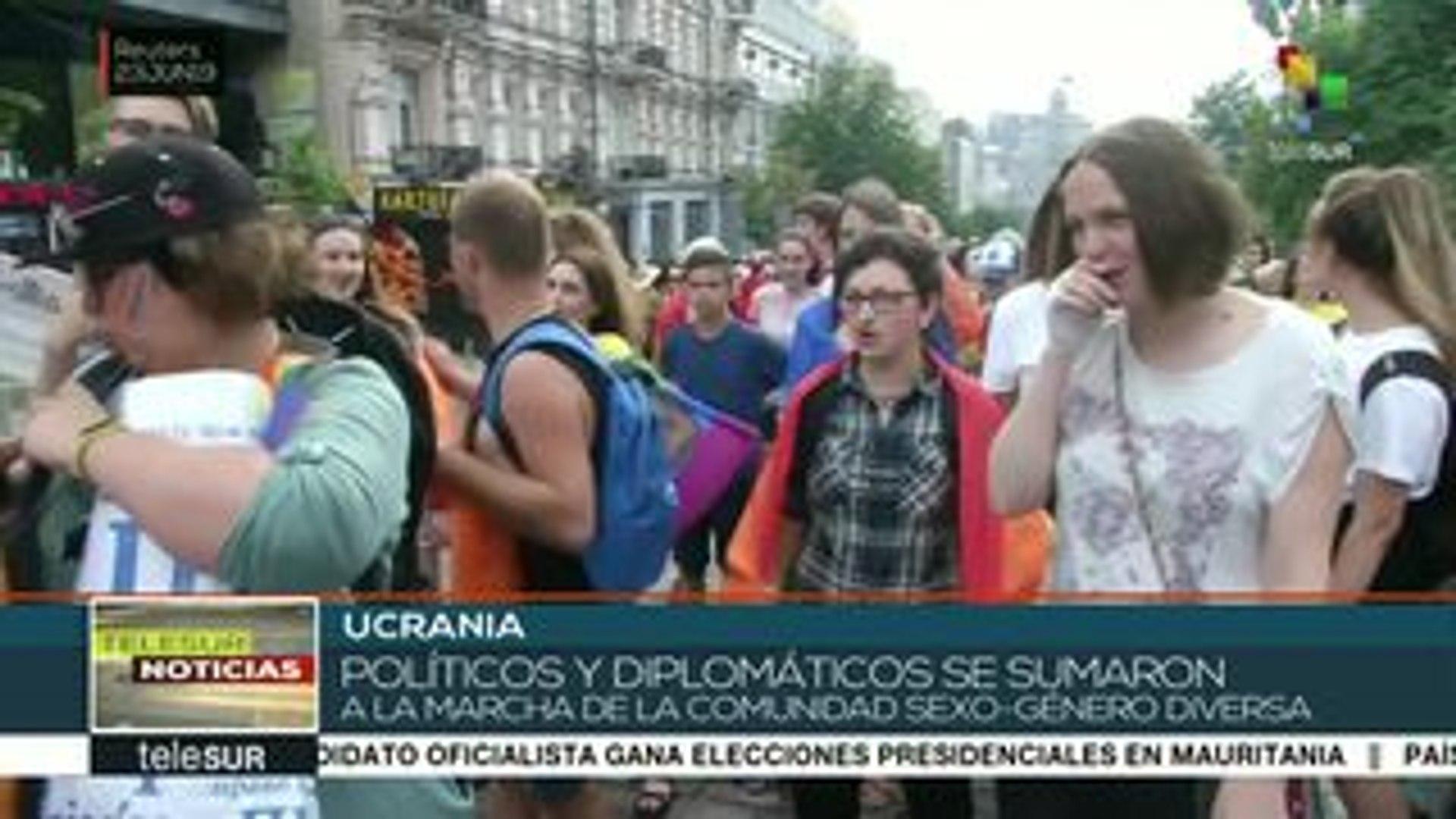 Políticos ucranianos marcharon con la comunidad sexo-género diversa