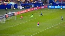 Copa America : Quand Luis Suarez demande une main... du gardien !