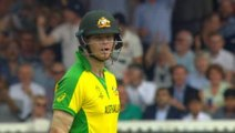 'Gift of a wicket' - Smith and Stoinis involved in calamitous run out