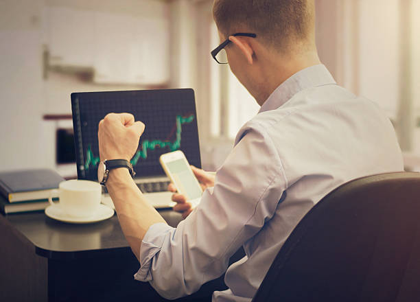 How to become a stock trader?
