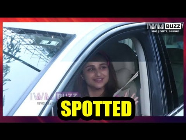 B-Town diva Parineeti Chopra looks hot in her pink outfit