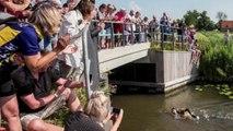 Pays-Bas : un marathon de patinage réalisé à la nage