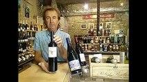 Les Héros de la Vigne - Guy Destribats nous présente une bouteille de la cuvée Natur'A