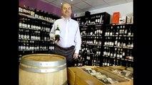 Les Héros de la Vigne - Jean  Guizard nous présente une bouteille du Mas Dagamas
